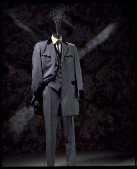 Modelo por Hardy Amies.