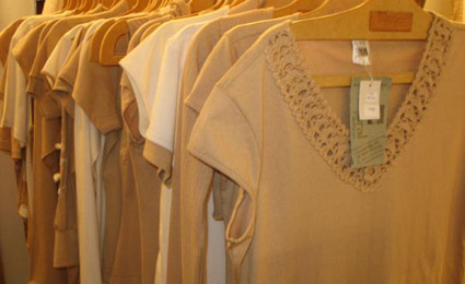 Roupas feitas de algodão.