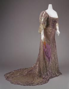 queen-alexandra-dress-circa-1900-232x300