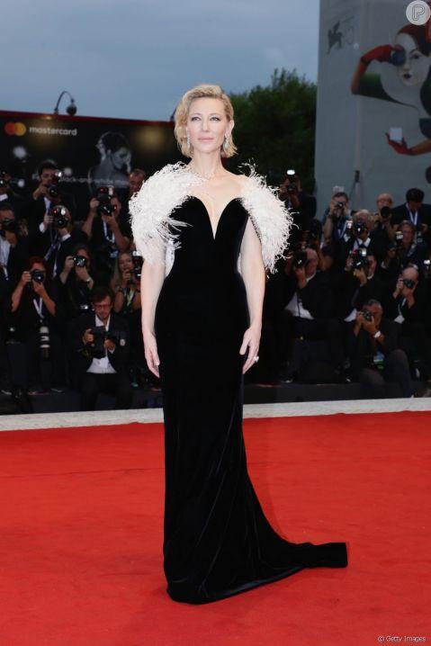 Red Carpet - Cate Blanchett vestindo Armani Privé no 75º Festival de Veneza em 2008. (frente)