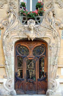 Fachada do edifício Lavirotte, construído em 1899 a 1901 na Avenida Rapp, nº 29, Paris.