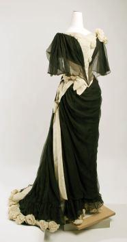 Vestido para noite, por volta de 1890, por House of Drecoll.