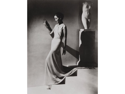 george-hoyningen-huene-evening-dress-by-augusta-bernard