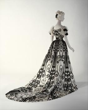 Vestido de noite por House of Worth,por volta de 1898–1900.