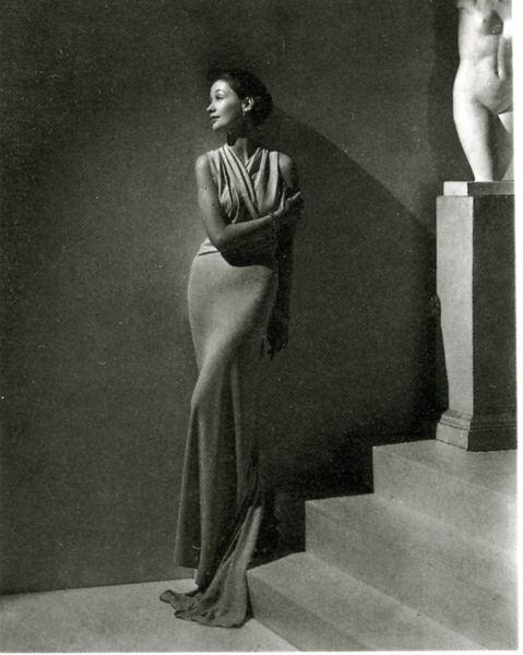 Toto Koopman usando Augustabernard, foto por George Hoyningen-Huene, 1934.