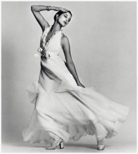 Jane Birkin usando Dior por David Bailey em 1972.