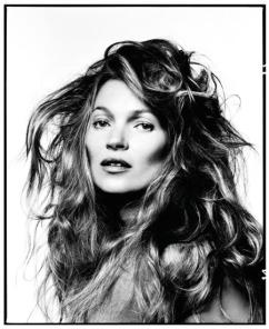 Kate Moss em 2013 por David Bailey