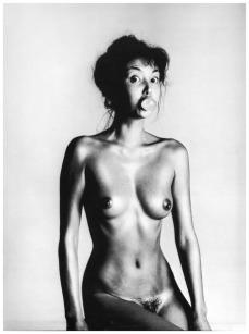 Marie Helvin por David Bailey em 1980.