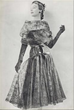 Cocktail dress, 1952 - Inverno, feito em Paris.