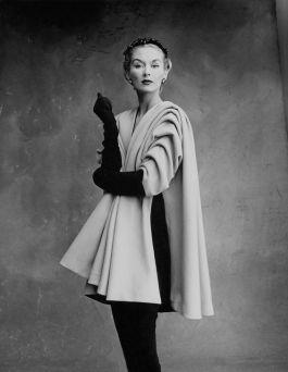 Lisa Fonssagrives-Penn usando Balenciaga - Foto por Irving Penn
